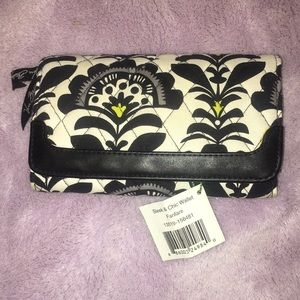 Vera sleek and chic wallet